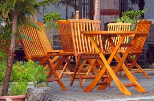 Fa kerti bútorok, teraszok olajos kezelése